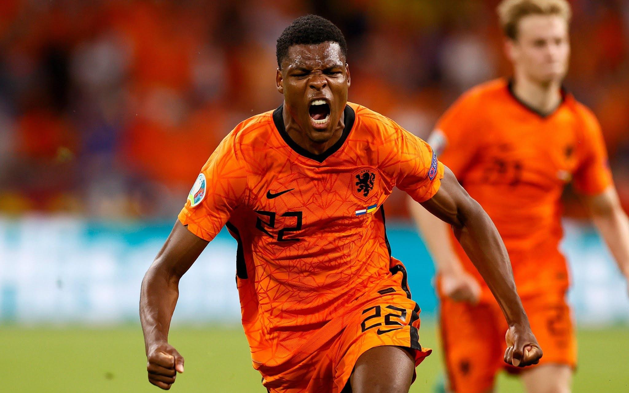 PSV defender Denzel Dumfries