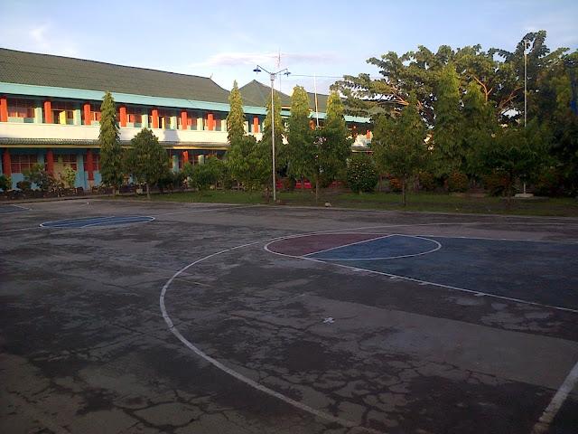 Suasana Lapangan Basket Smansa Pinrang Sore Hari Beginilah SMA Negeri 1 Pinrang Zaman Dulu