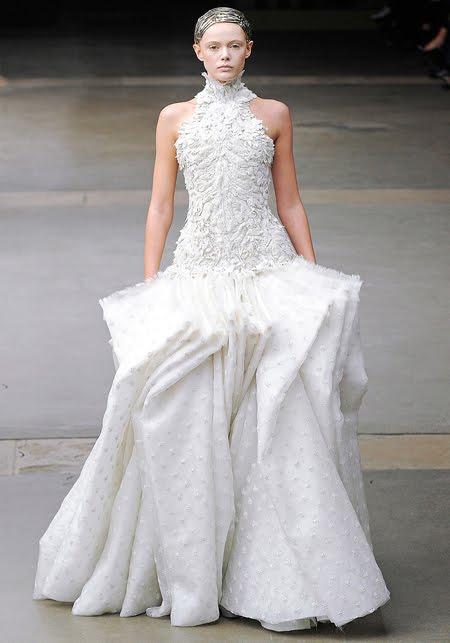 8ccadf597b5 Булчински рокли и обувки Alexander McQueen 2012