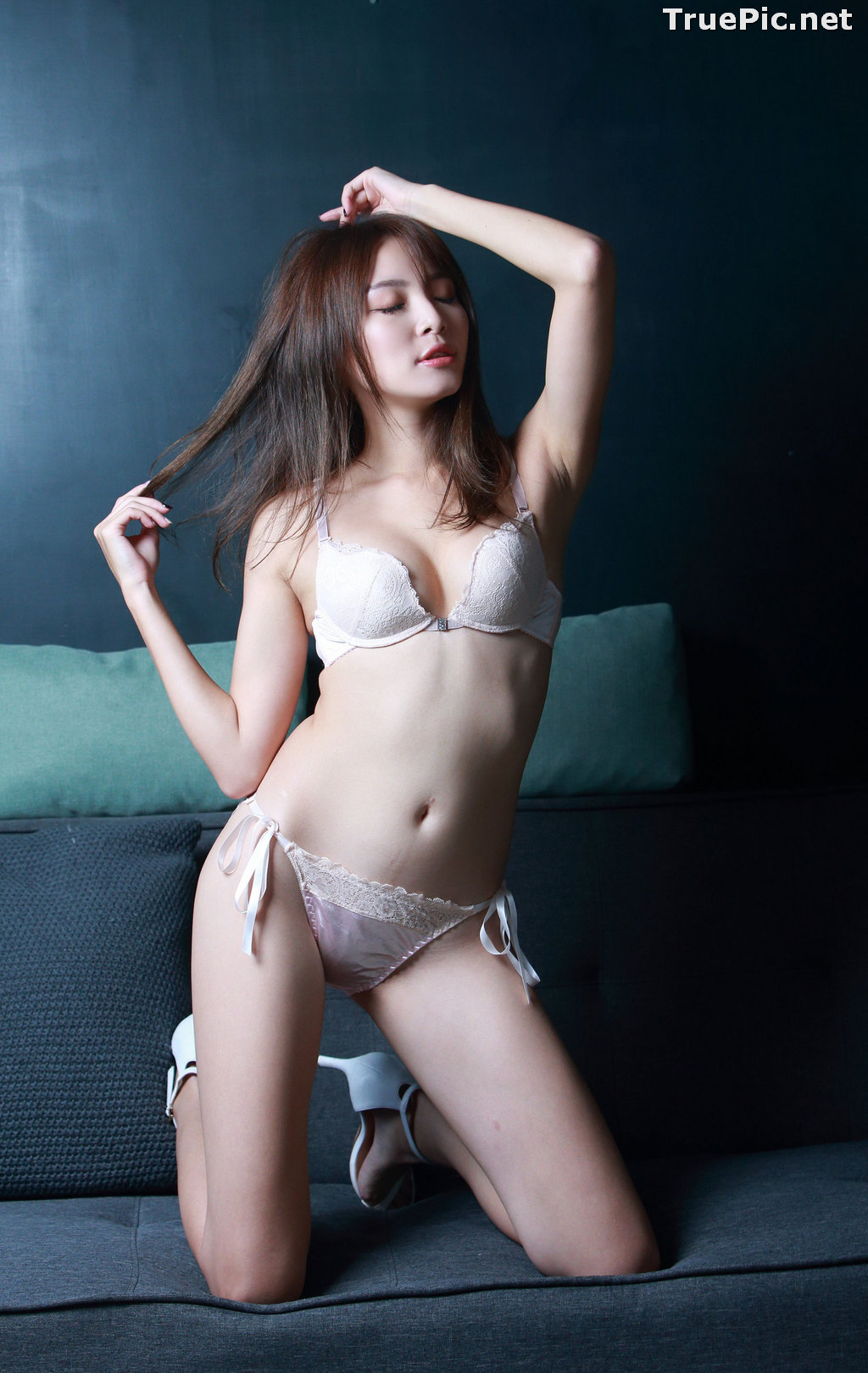 Image Taiwanese Model - Ash Ley - Sexy Girl and White Lingerie - TruePic.net - Picture-4