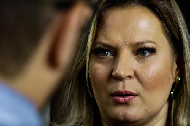 Ex-funcionários acusam deputada Joice Hasselmann de produzir Fake News
