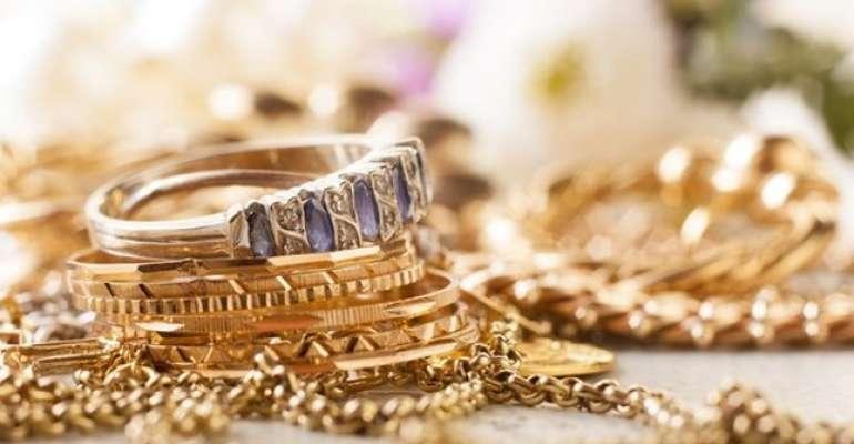 Ladrões invadem casa e furtam jóias de vendedora em Guaraci