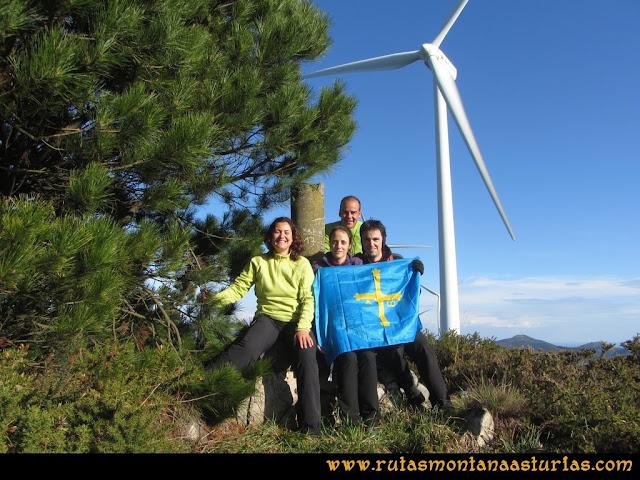 Ruta Sierra Bufarán, picos Degollada o Grande y Cotera: Cima del Pico Grande
