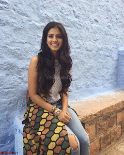 Malavika Mohanan Cute Malayalam Actress 011.jpg