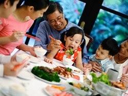 Phòng suy dinh dưỡng ở người cao tuổi