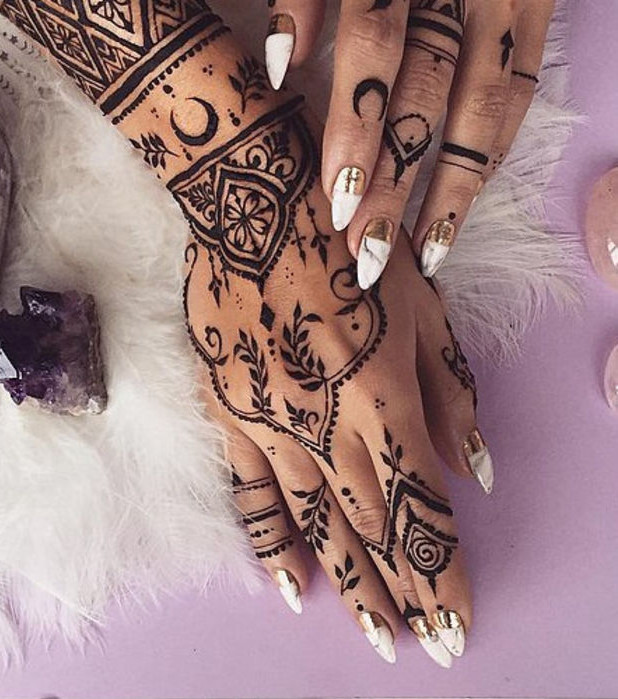 henné-tatouage féminin-3