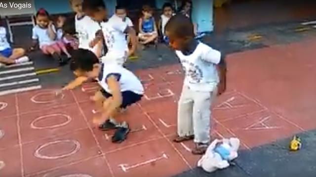 Estratégias lúdicas para o trabalho na Educação Infantil Professor Simei Campos