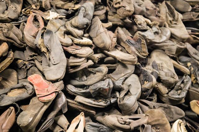 campo di concentramento auschwitz scarpe ebrei prigionieri