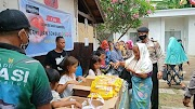 Paket Sembako di Program CSR Chili House dan Dewerstone di Gili Trawangan