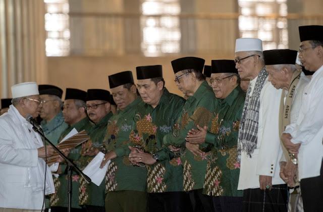 Tahukah anda? Pakai Batik Berarti Ikuti Kanjeng Nabi Muhammad