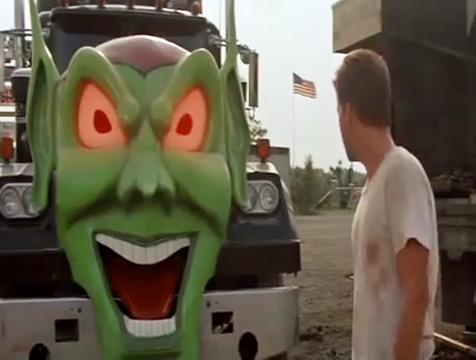 Camión del Duende Verde y William Robinson (Emilio Estévez) en La rebelión de las máquinas - Cine de Escritor