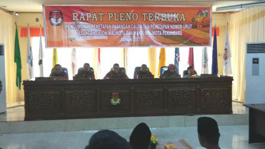 Rapat Pleno Terbuka KPU Kota Pekanbaru tetapkan Paslon Ide-SUA boleh ikut Pilkada, Senin, 7 November 2016