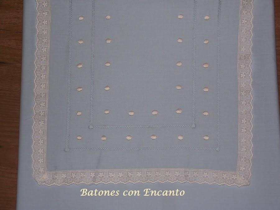 http://batonesconencanto.blogspot.com.es/2014/01/bolsacolcha-y-sabana-para-carritos-de.html