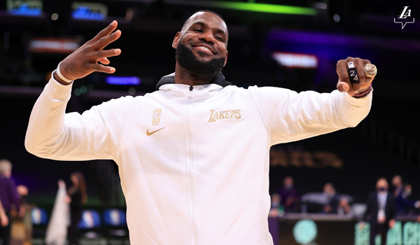 LeBron James shows off his championship ring before the Lakers' opening game against the Clippers at STAPLES Center...on December 22, 2020.