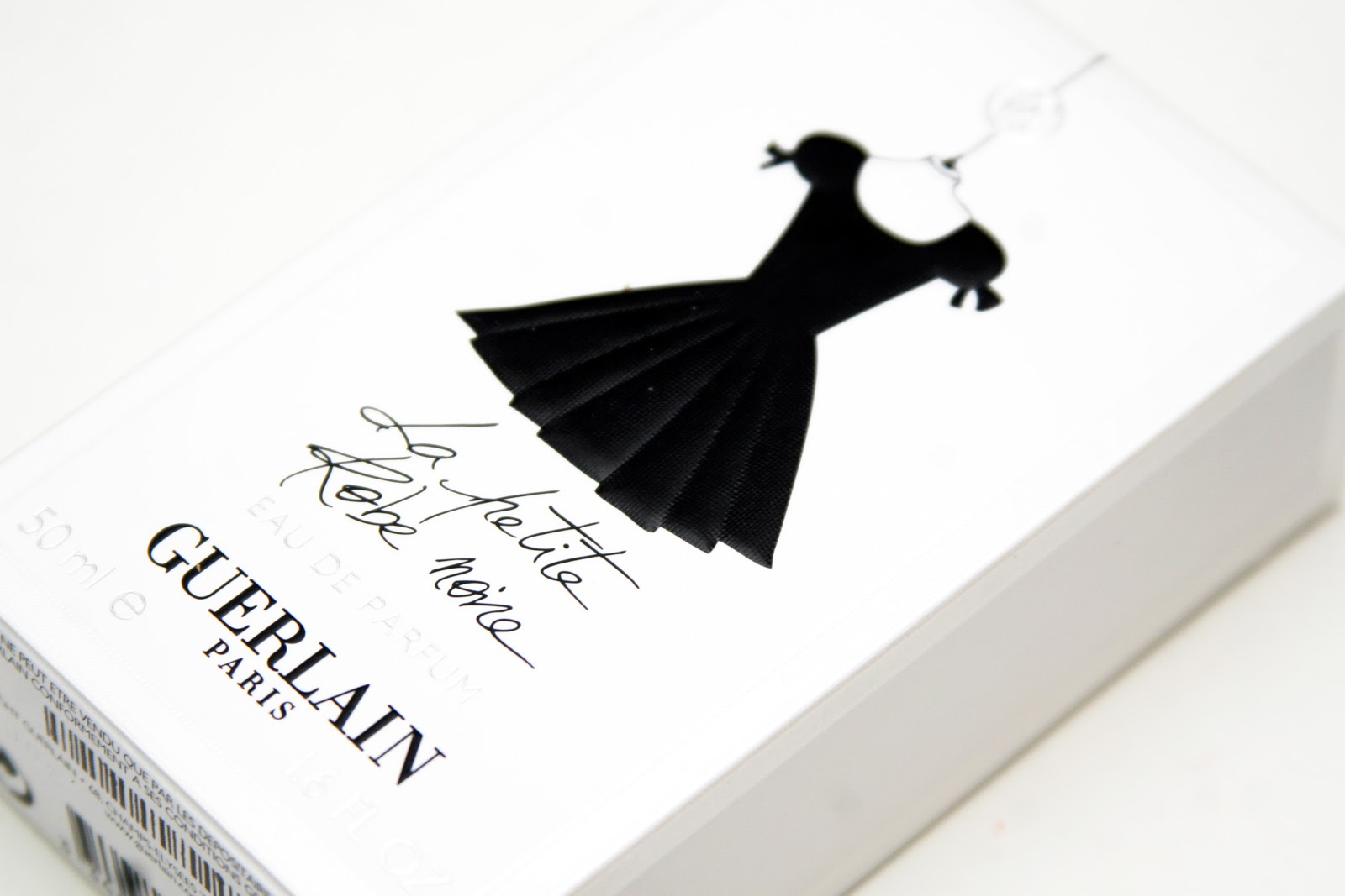 fun size beauty guerlain la petite robe noire eau de parfum. Black Bedroom Furniture Sets. Home Design Ideas