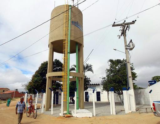 Moradores sofrem com a falta de água em Novo Paraíso