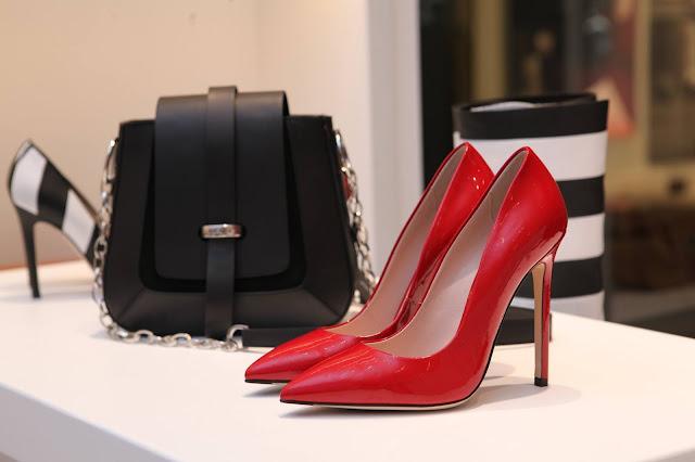 bolsa e sapatos