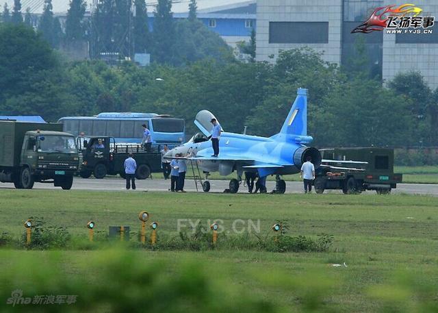 اول مقاتله مخصصه للتصدير الى ميانمار نوع FC-1/JF-17 تمت مشاهدتها في الصين  Chinese%2Bmade%2BMyanmar%2Bjf-17%2Bfighters%2B5