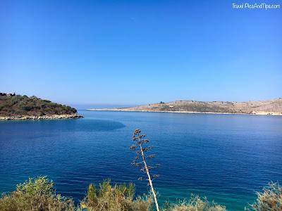 Baie de Porto Palermo et son château sur la riviera albanaise