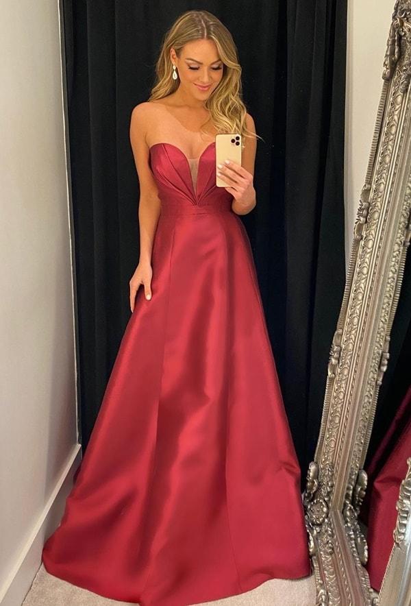 vestido longo marsala em alfaiataria para madrinha de casamento