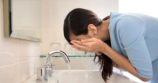Yüz Yıkama Jeli Ve Evde Yüz Temizleme Toniği Nasıl Yapılır?