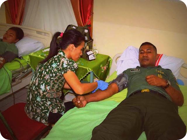 Keluarga Besar Korem 151/ Binaiya Donorkan Darah