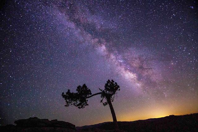 Malam Ini Galaksi Bima Sakti Terlihat