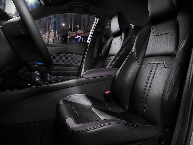 Toyota CH-R - interior - bancos