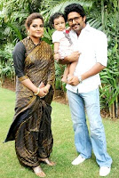 Anjana Singh with her husband Yash Kumar Mishra and daughter Aditi