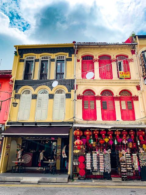 Szukasz pomysłów na niedrogi nocleg w Singapurze? Zastanawiasz się, gdzie spać w Singapurze? Podpowiem Ci, gdzie zatrzymać się w Singapurze i opowiem trochę o swoim o noclegu w Chinatown.