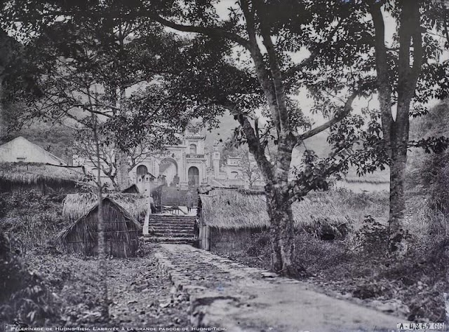 Looking back on the rare images of Huong Pagoda in 1927