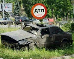 Авто перевернулось в повітрі кілька разів: в столиці моторошна ДТП