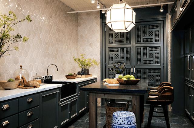 Inspirasi Ide Desain Dapur Minimalis Asia dengan nuansa hitam klasik