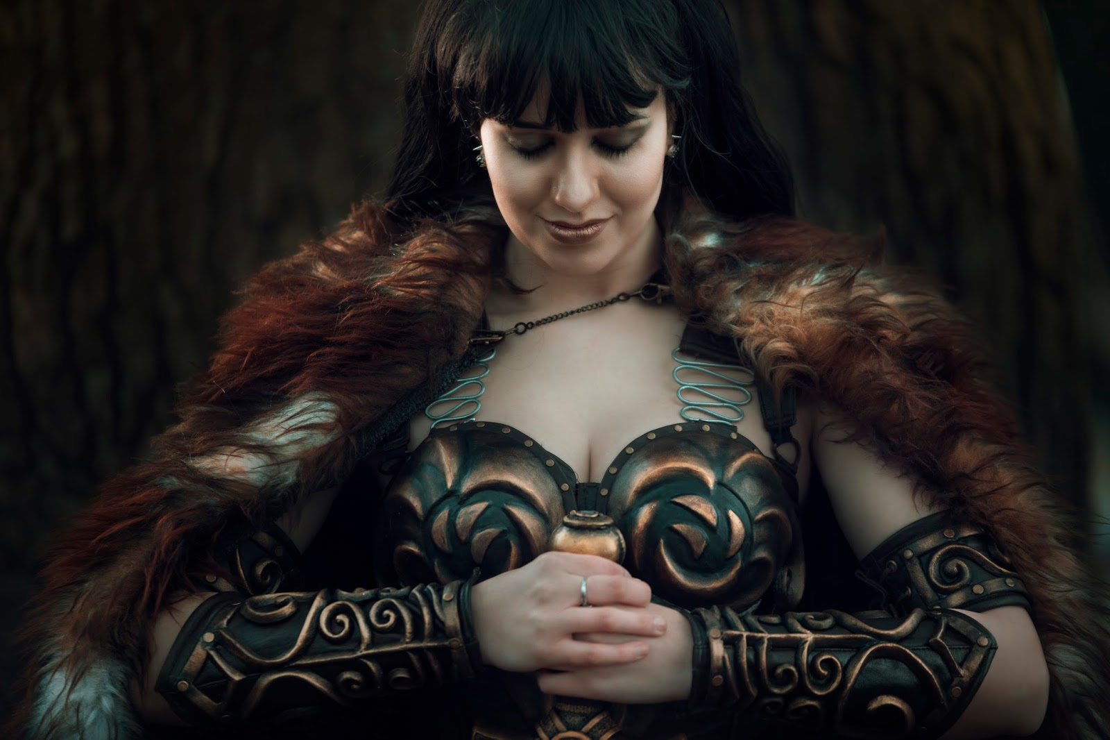 Xena the warrior princess cosplay by germia germia gaming world difference can be seen on pictures by milos mlady longer pauldron with front rivets and eugene art no rivets shorter pauldron better fitting solutioingenieria Choice Image