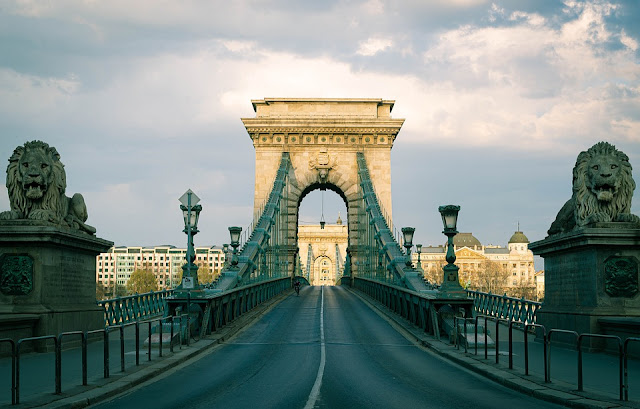 TOP 10 TOURIST ATTRACTIONS IN HUNGARY
