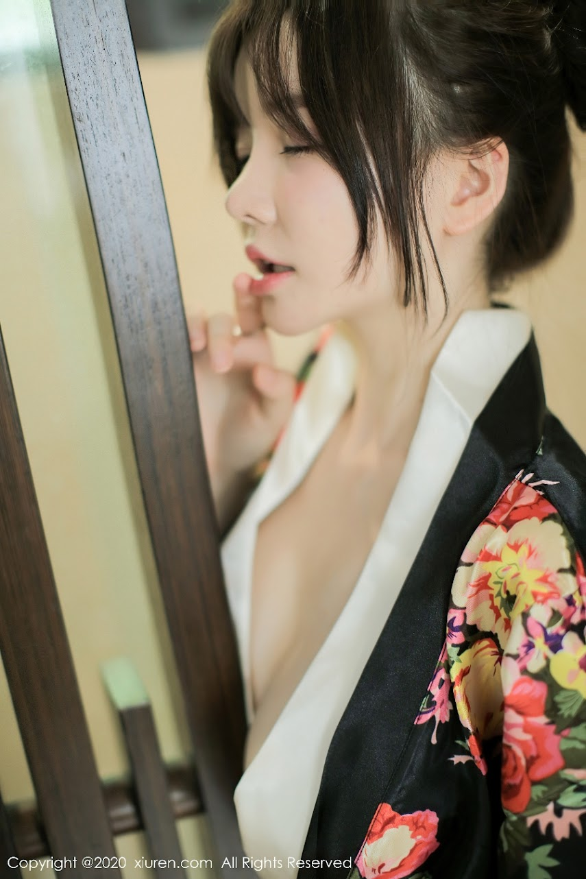 xiuren_2581.rar.2581_040_sya_3600_5400.jpg xiuren 2020-09-21 Vol.2581 糯美子Mini