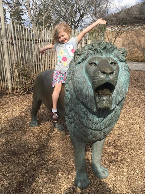 Stella on a Lion Statue