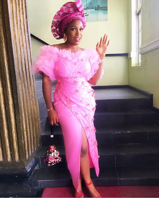 Classy and Elegant Asoebi Gown Styles 2019