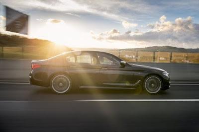 Νέα BMW M550i xDrive