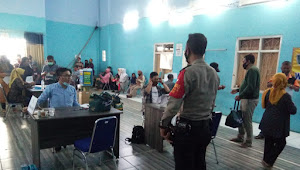 Binmas Sindang Panon Polsek Banjaran Polresta Bandung Pantau Bansos Bangub