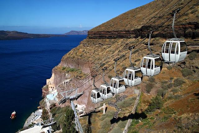 Passeio de teleférico em Fira, Santorini