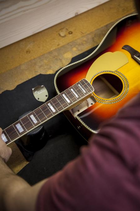 dan guitar Fender Kingman™ Pro Bolt-On