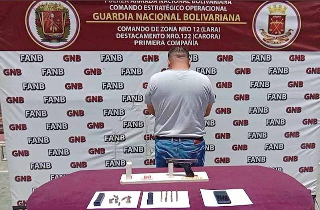 CAYÓ CON MAS DE 700 PANELAS DE PRESUNTA MARIHUANA