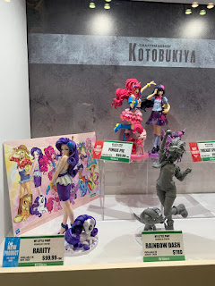 Better Look at Kotobukiya Rainbow Dash From NYCC