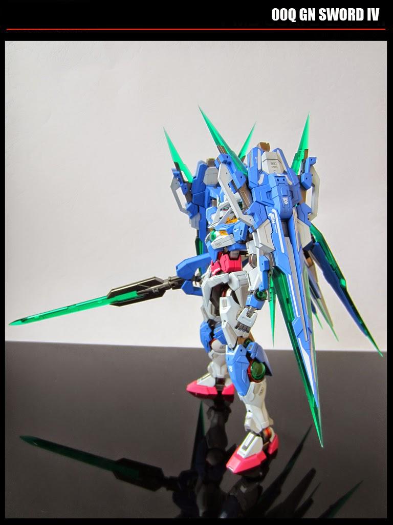 Custom Build: MG 1/100 00 Qan [T] Quanta with 2 GN Sword IV