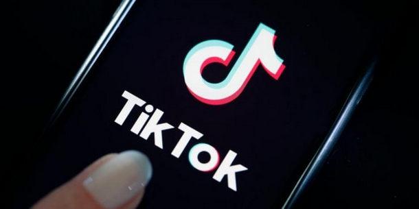 """ما هو تطبيق """"تيك توك TikTok"""" الذي يجتاح العالم بسرعة مخيفة؟ ويهدد عرش فيسبوك وإنستقرام"""