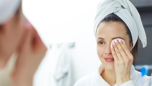 Makeup Remover dari Bahan Alami