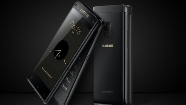 Last twelvemonth Samsung launched a flip telephone inwards mainland People's Republic of China Samsung launched telephone amongst 2 displays