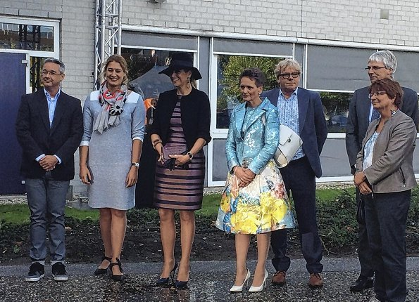 The conference Education Cooperative (Onderwijscoöperatie) in ROC Midden Nederland. Queen wore Natan dress
