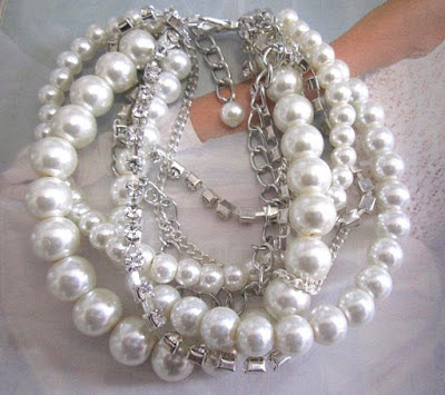 https://www.etsy.com/listing/279009180/white-or-ivory-chunky-pearl-bracelet?ref=shop_home_feat_4&pro=1&frs=1